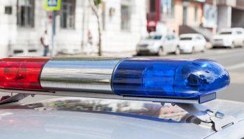 Policajac udario auto pa sam sebi napisao kaznu