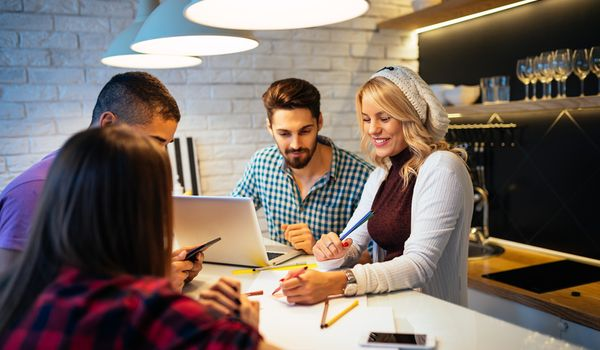 Kako pokrenuti uspješan biznis s prijateljima?