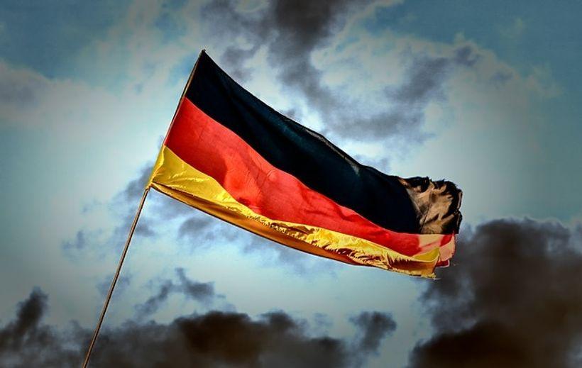 njemačka zastava vijori