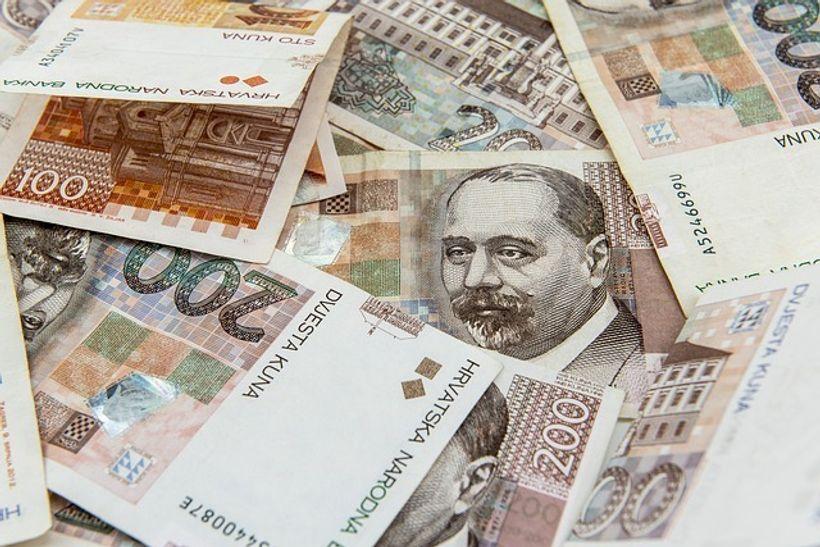 novčanice od 100 i 200 kuna