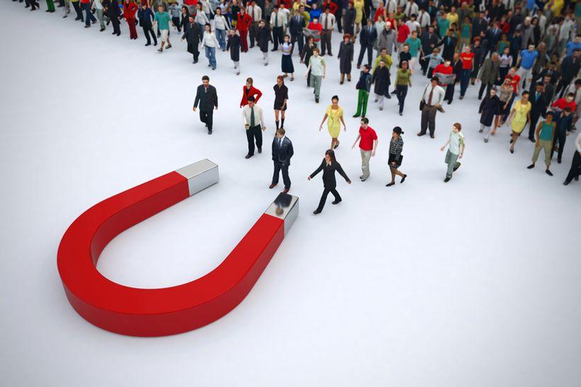 ogroman magnet privlači velik broj ljudi