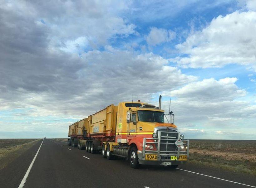 kamion i vedro nebo