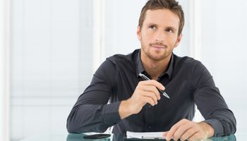 Manje atraktivne osobe više zarađuju?