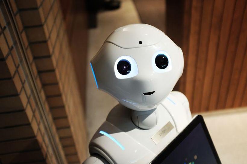 nasmiješeni robot