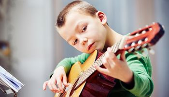 Istraživanje: Mozgovi dvojezičara i glazbeno obrazovanih učinkovitiji