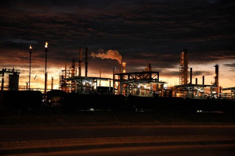 tvornica u sumrak