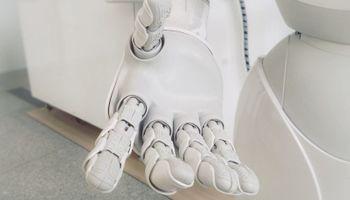 bijela robotska ruka