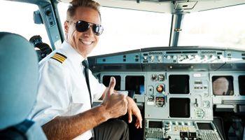 Aviokompanije će kroz 20 godina trebati 637.000 novih pilota