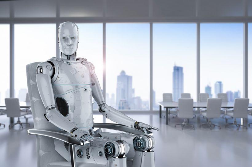 robot sjedi u stolici