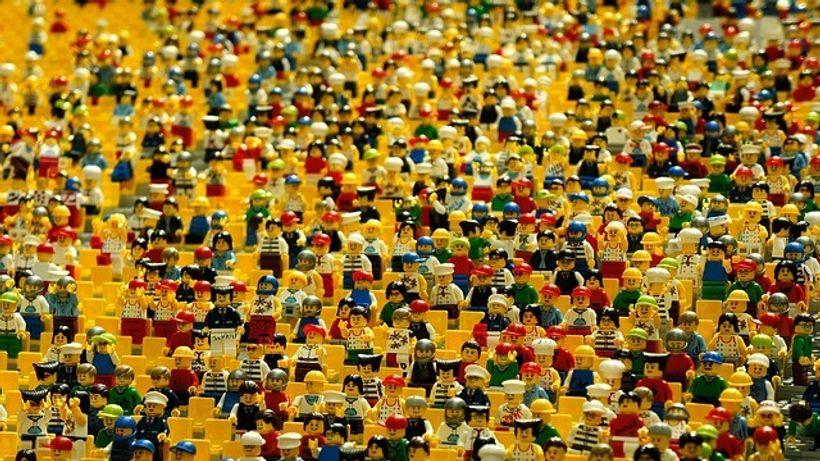 puno lego figurica