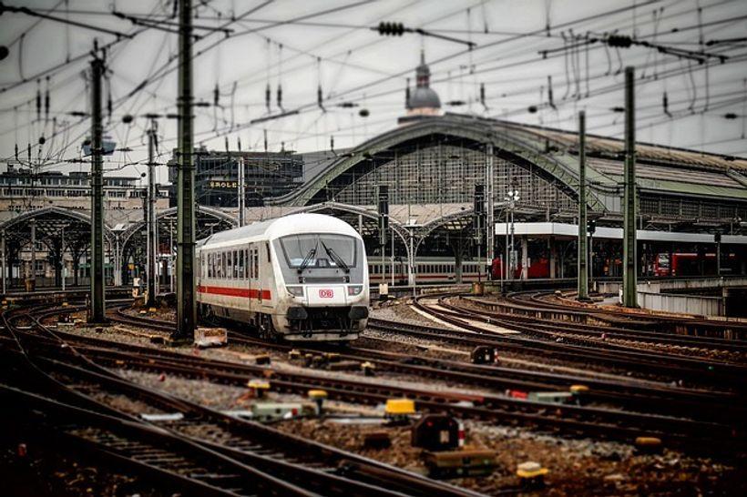 vlak na tračnicama