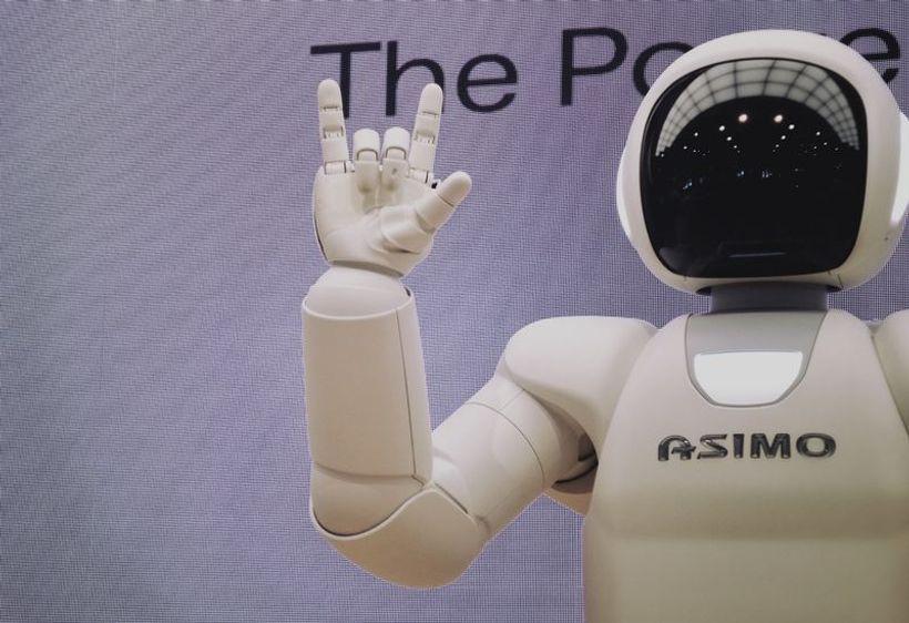 robot rukom pravi 'rogove'