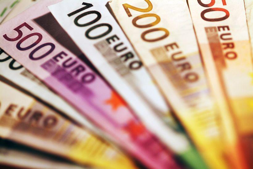 Većina ispitanika (74%) smatra da uvođenje eura 2020. godine nije dobra odluka